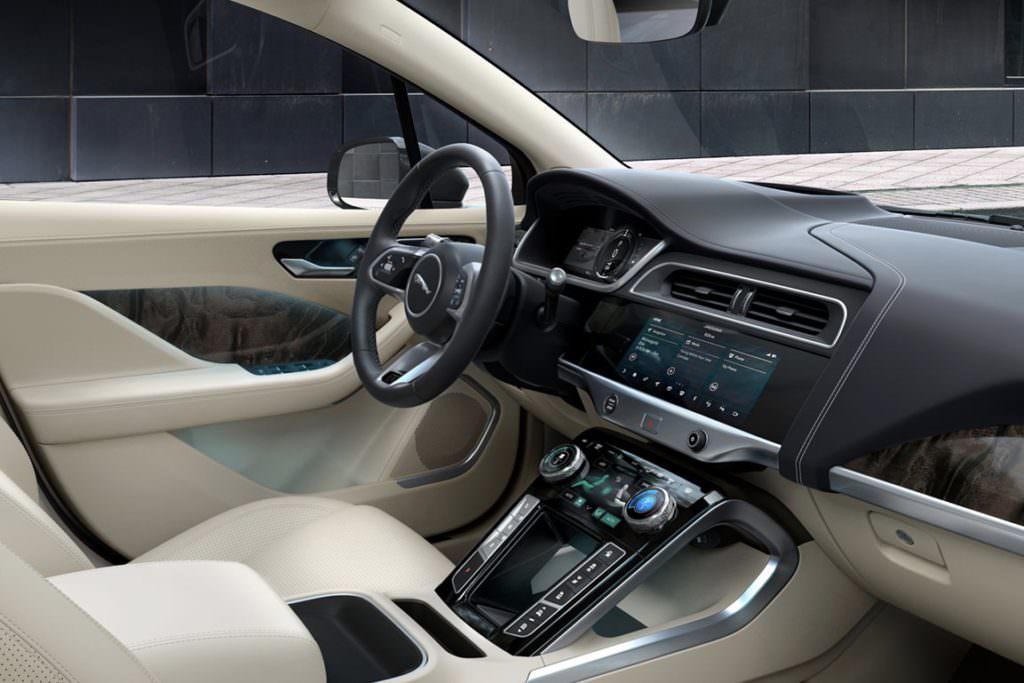 Suv e tecnologia EV: Jaguar I-pace Interni - SpicyView
