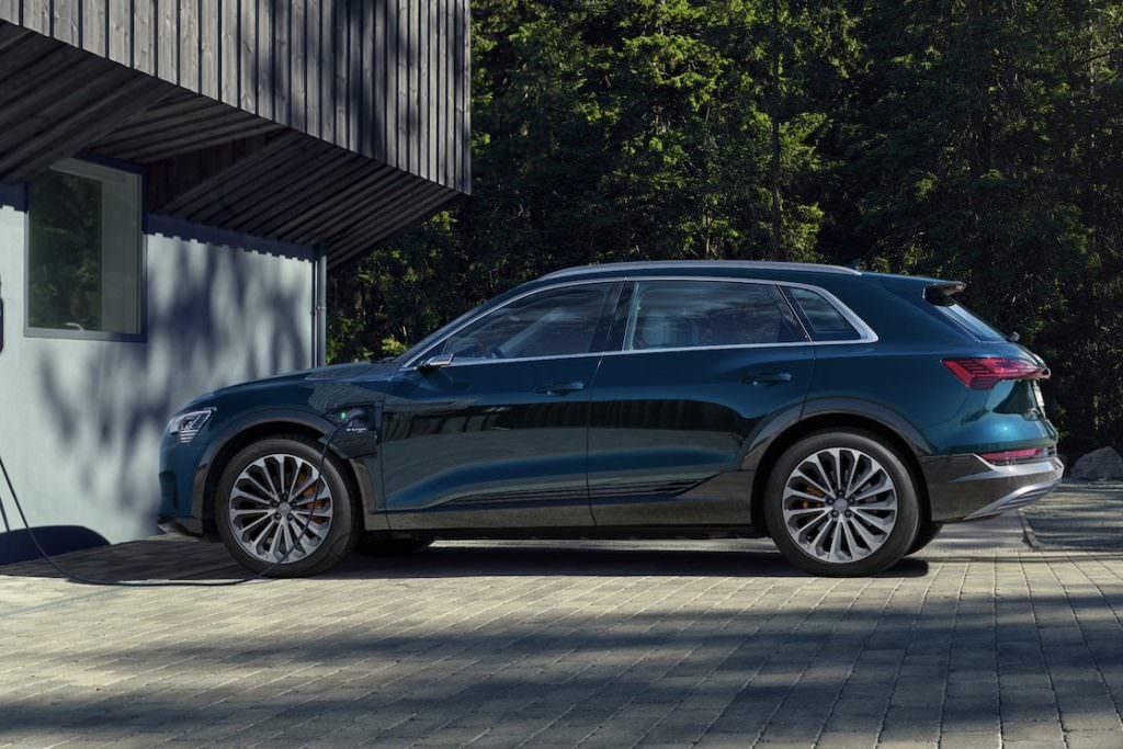 Suv e tecnologia EV: Audi E-Tron Esterni - SpicyView