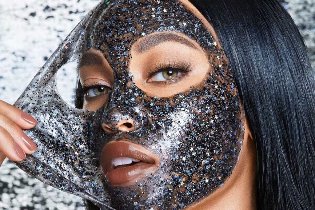 Glitter Mask skin care (foto Glamglow) Makeup glitter - SpicyView