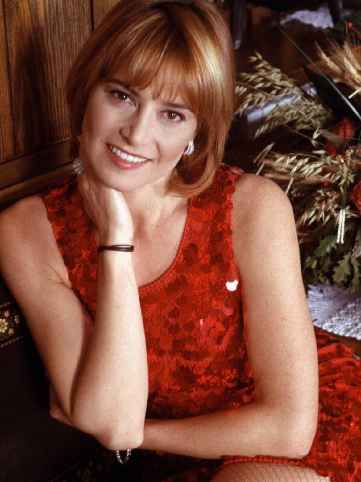 Crederci sempre, arrendersi mai: Simona Ventura è tornata la regina degli ascolti stellari.